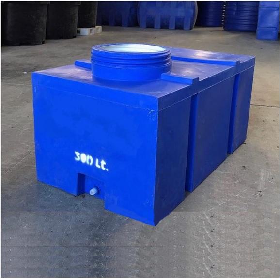 двупластов-квадратен-300-литра